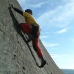 Beim Klettern der fertig eingerichteten Route